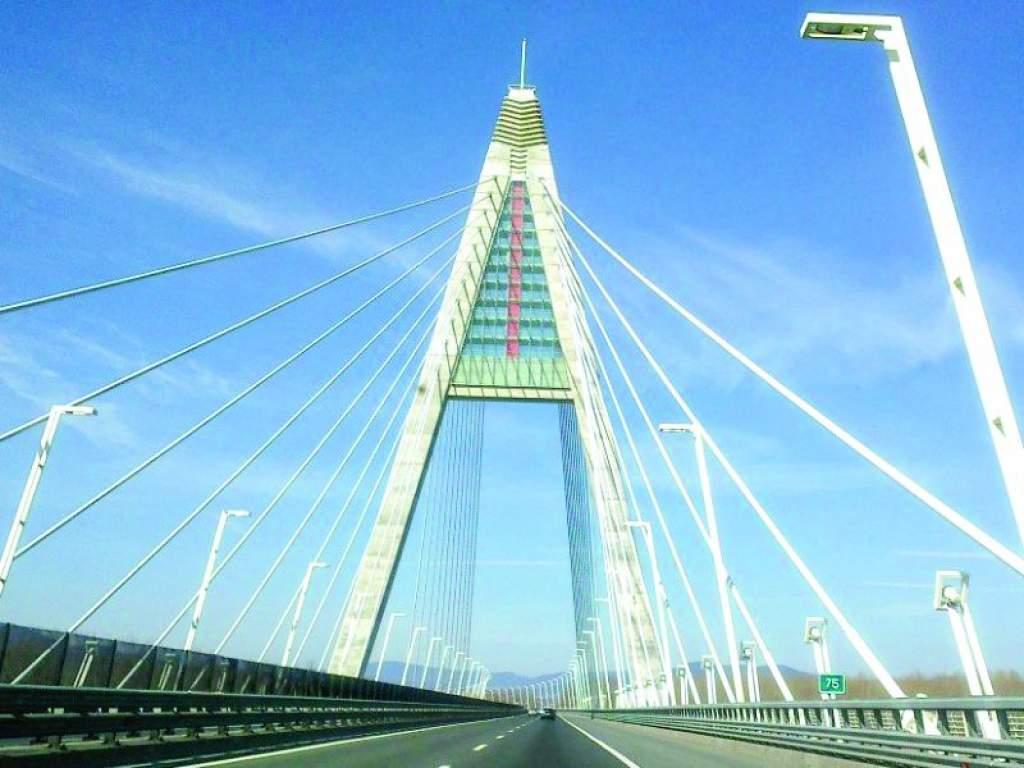 Átadták  az új Duna-híd  munkaterületét