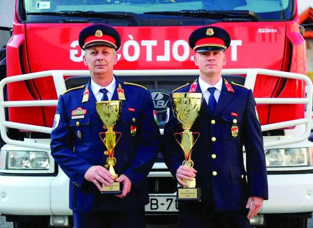 """Az """"Év Katasztrófavédelmi Őrse"""" címet  kapták a solti tűzoltók"""